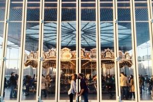 kiss carousel