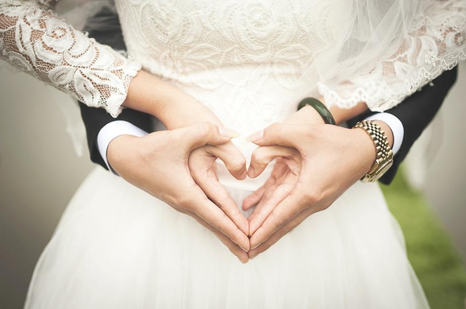 weddings hands